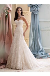 glamour-a-line-strapless-vintage-lace-wedding-dress-court-train-a-line-wedding-dress-l-f722b7191191df4a