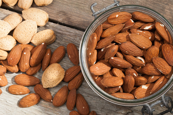 whole-almonds-are-very-healthy