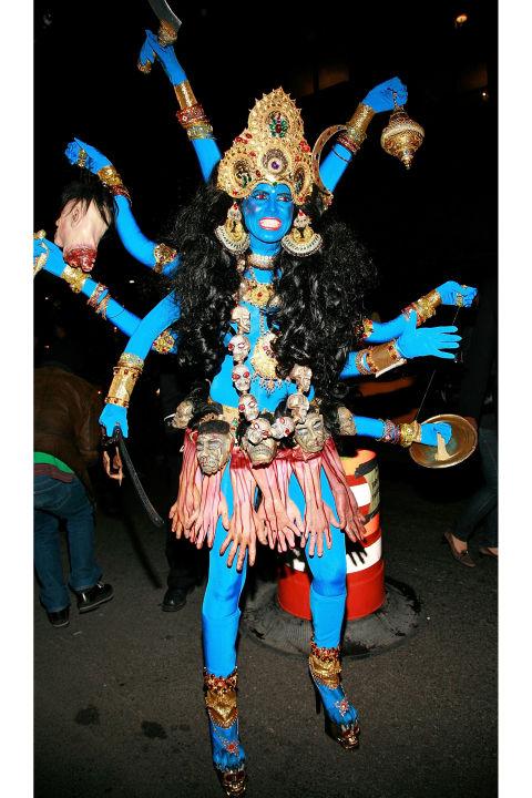 Heidi Klum jako hinduska bogini Kali