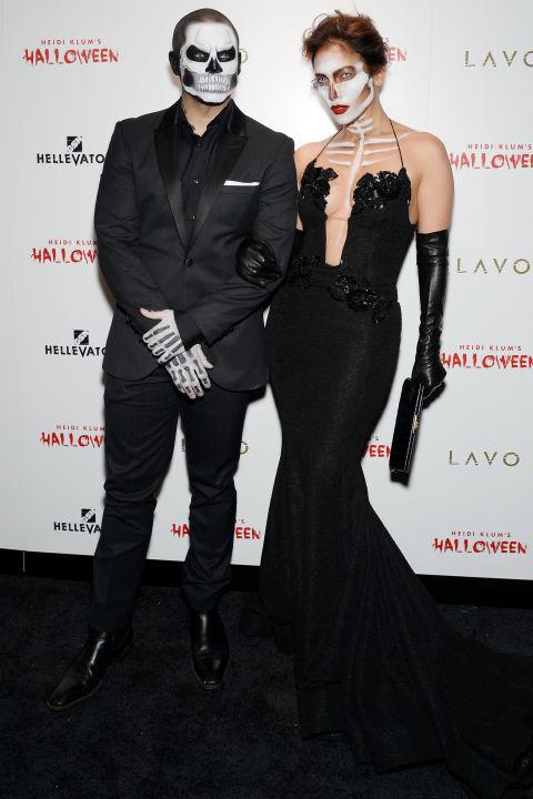 Jennifer Lopez i Casper Smart jako kościotrupy