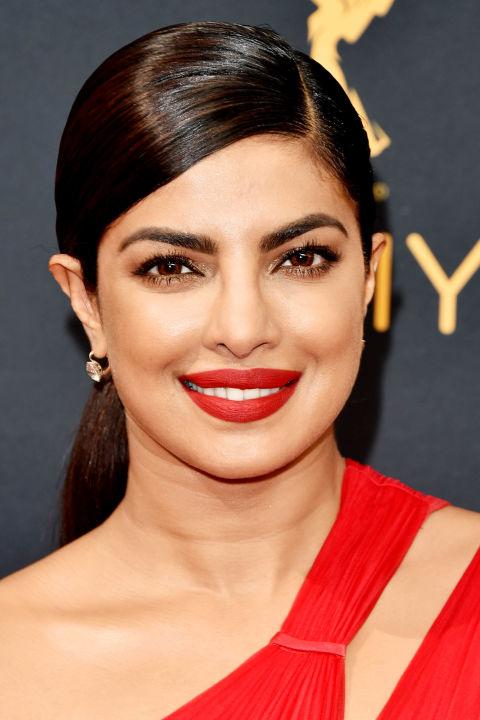 elle-valentines-day-makeup-priyanka