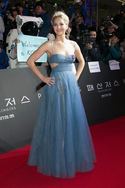 Grudzień 2016, premiera filmu Pasażerowie w Seulu (suknia Dior)