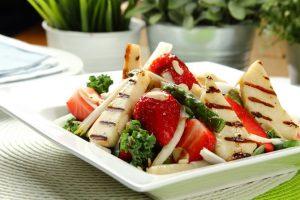 salatka-z-truskawkami-i-grillowanymi-szparagami694485