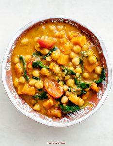 curry_indyjskie_z_dynia_ciecierzyca_szpinakiem_01