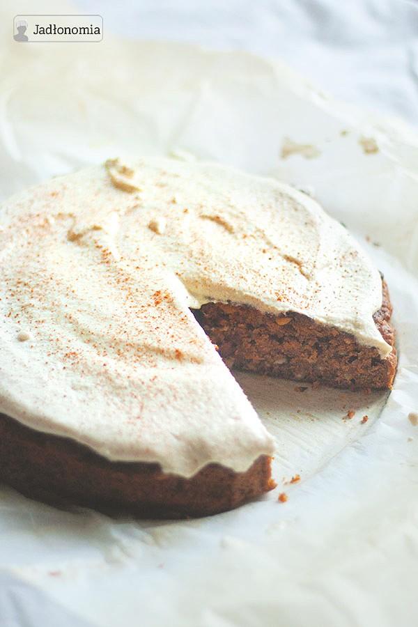 Ciasto marchewkowe z serkiem z nerkowców